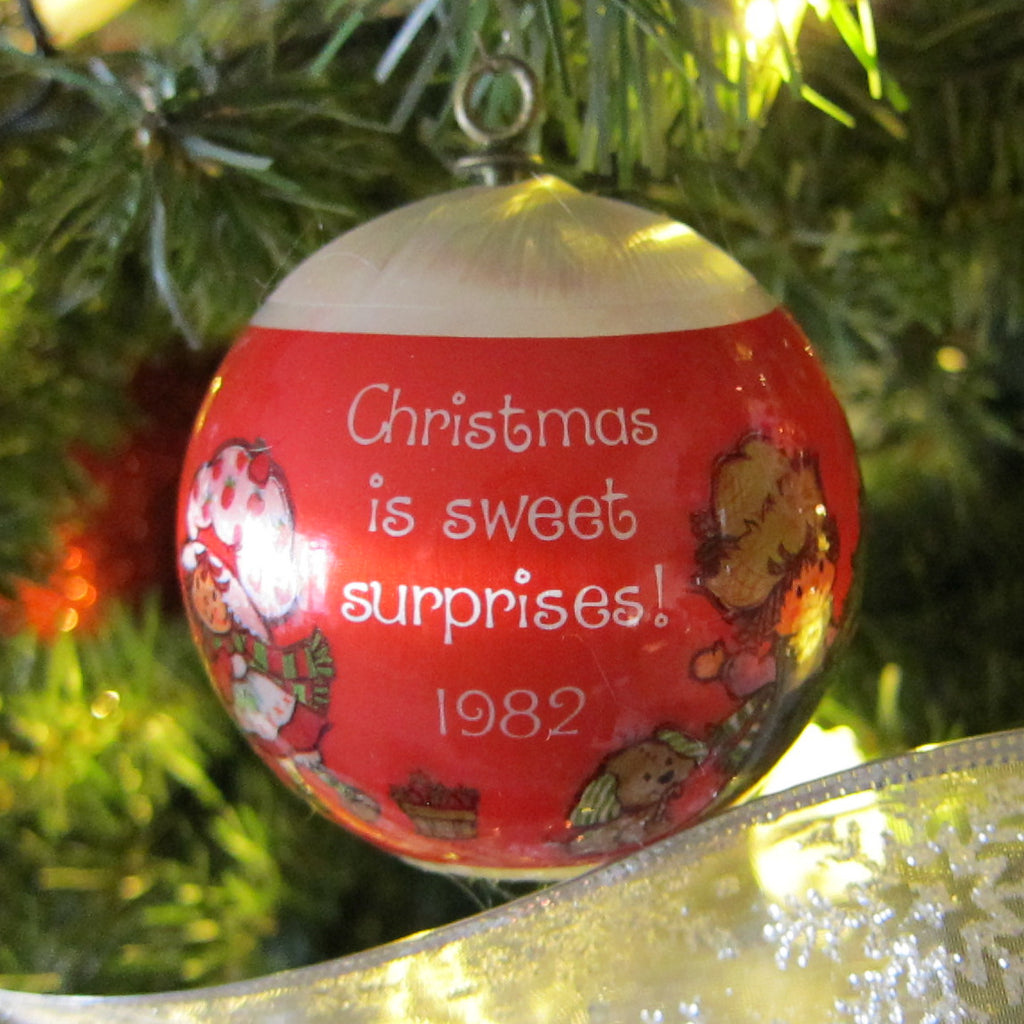 Christmas is Sweet Surprises 1982 Strawberry Shortcake Silk Ball Ornament