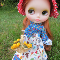 Flower gathering basket for Blythe and Pullip dolls