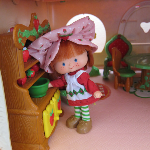 Hutch China Cabinet For Strawberry Shortcake Berry Happy