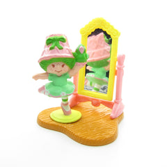 Lime Chiffon and Parfait Parrot Dancing in the Mirror set