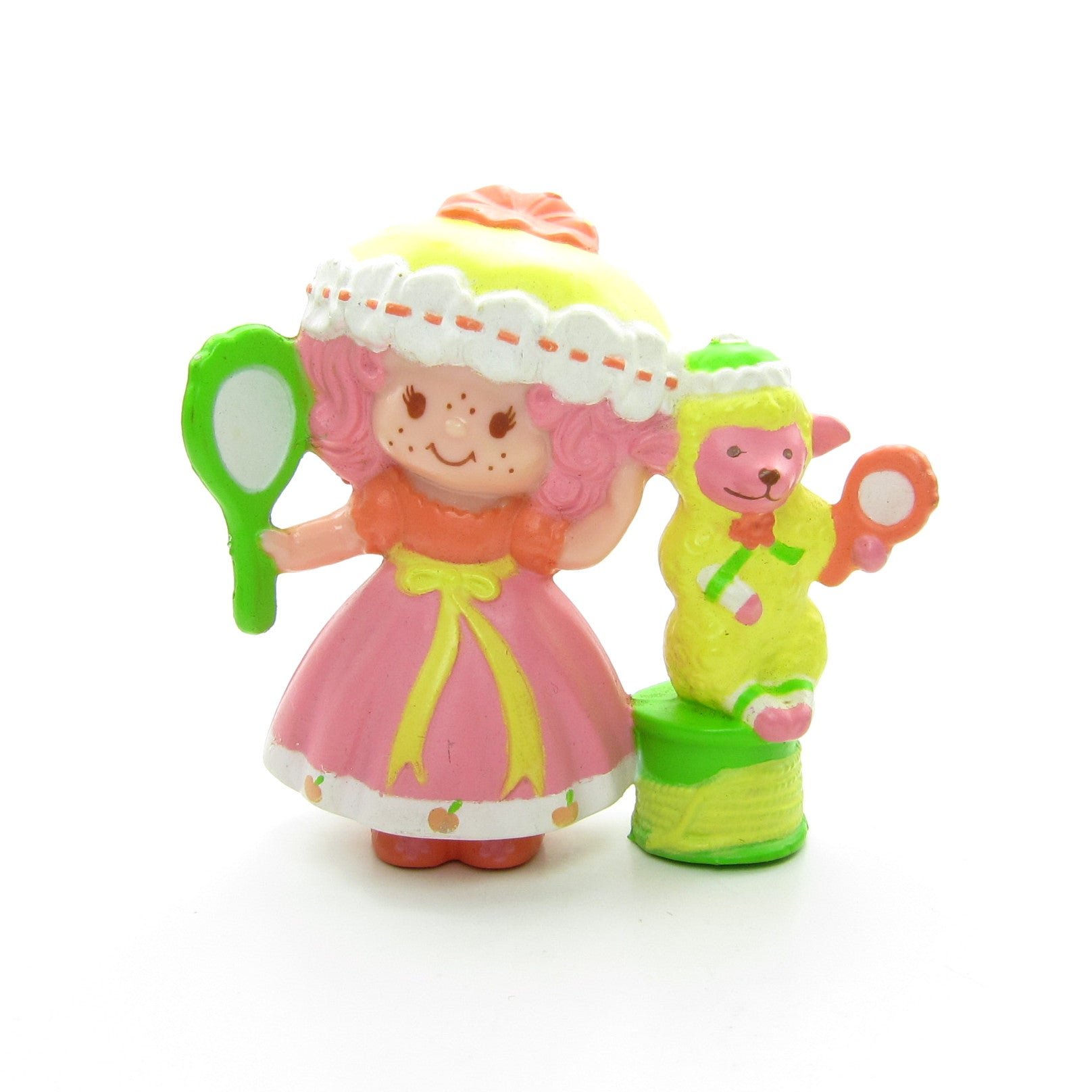 Peach Blush with Melonie Belle Getting Ready for Bed miniature figurine