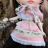 Lace trimmed apron for Blythe doll folk outfit