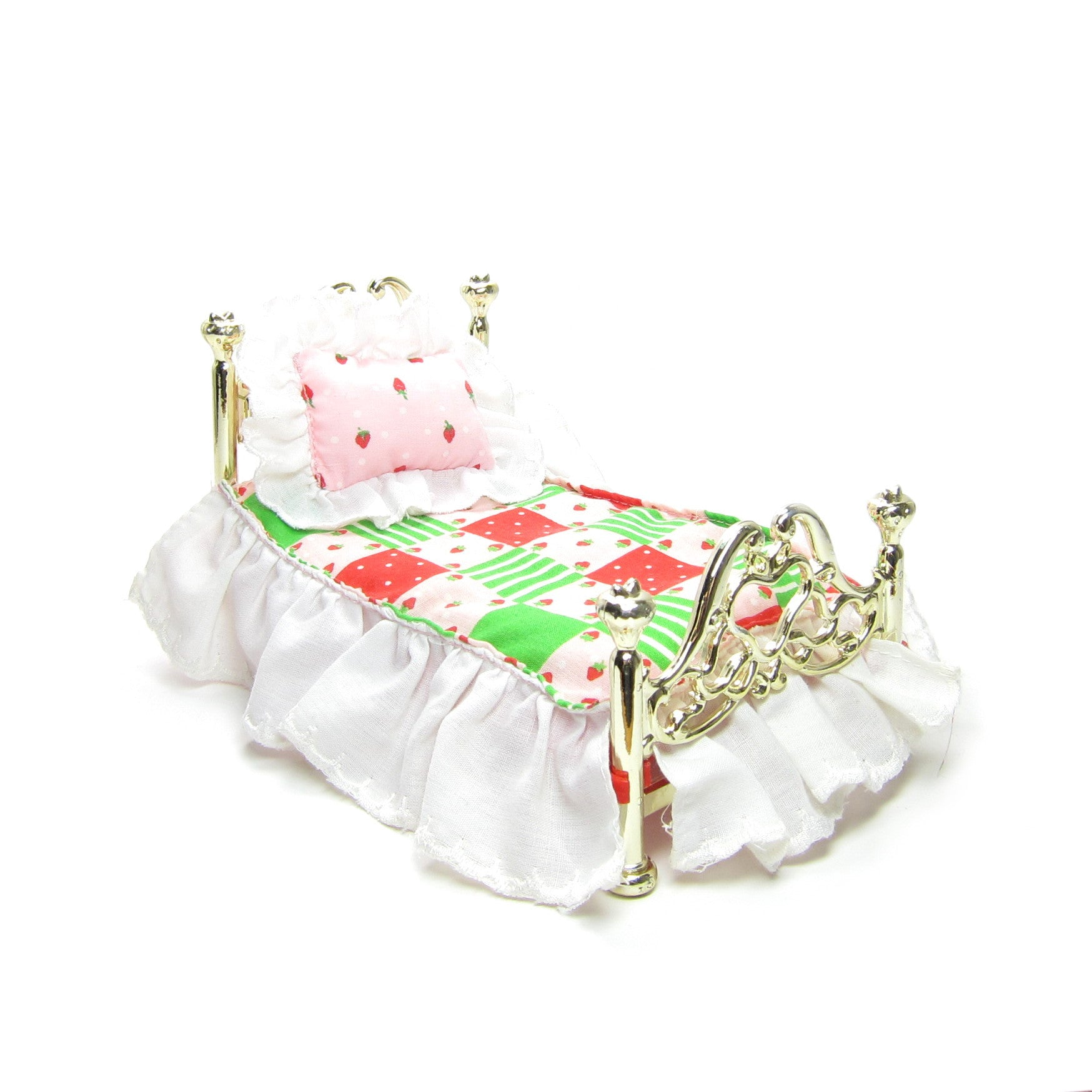Bed for Strawberry Shortcake Berry Happy Home dollhouse