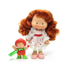 Strawberry Shortcake Berrykin doll with Strawberrykin Critter