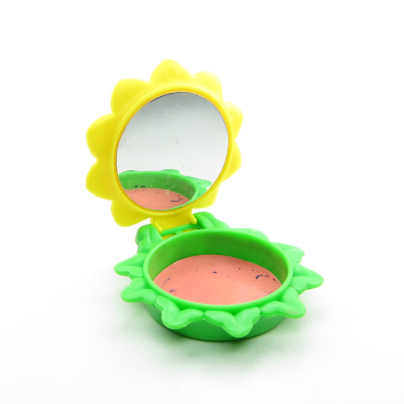 Pretend blush compact for Strawberry Shortcake Berry Grown Up Purse toddler toy