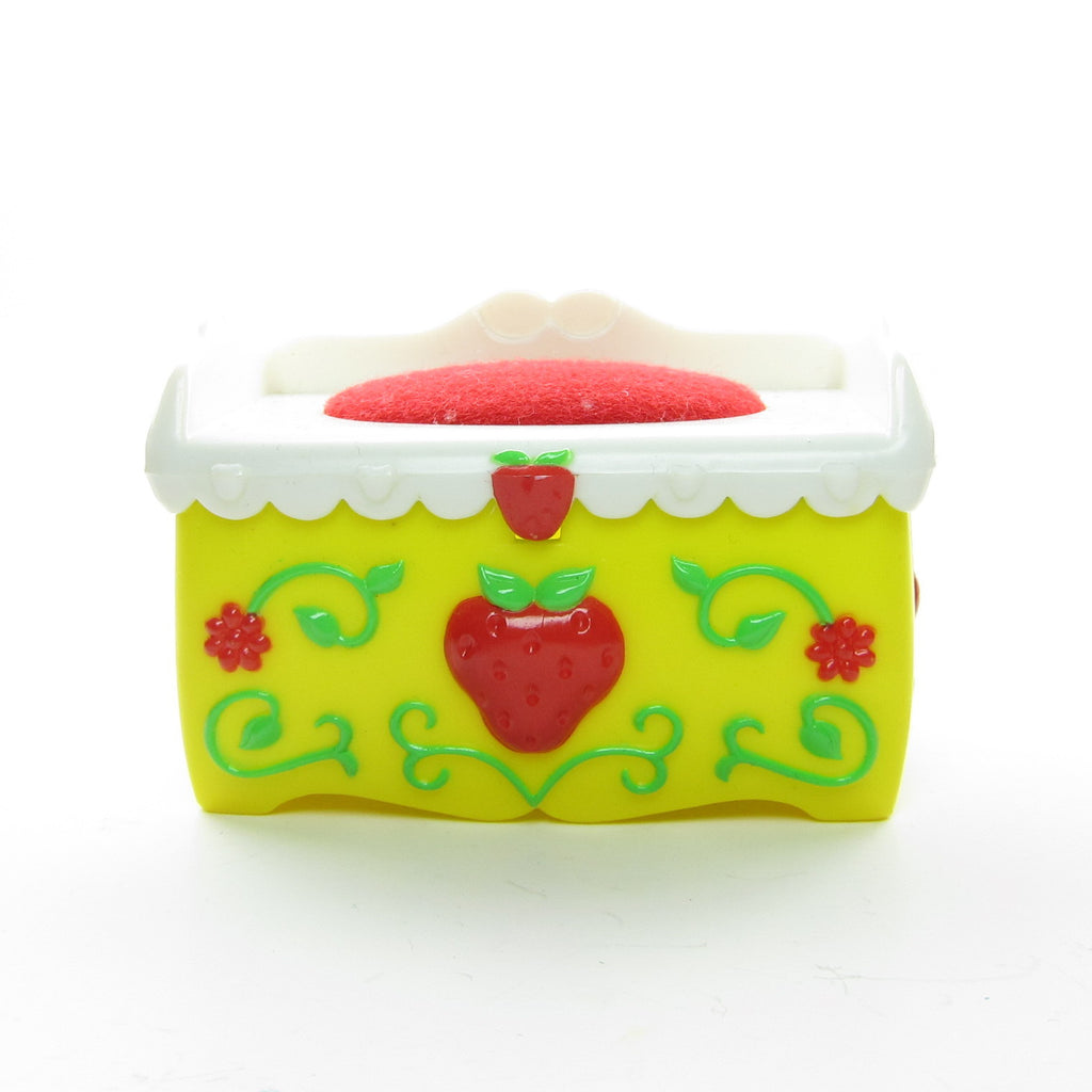 Fun Room Toy Chest for Strawberry Shortcake Berry Happy Home Dollhouse