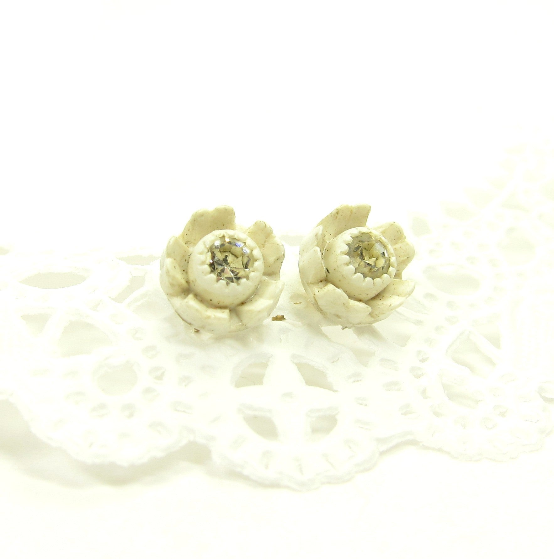 White rhinestone rose post earrings