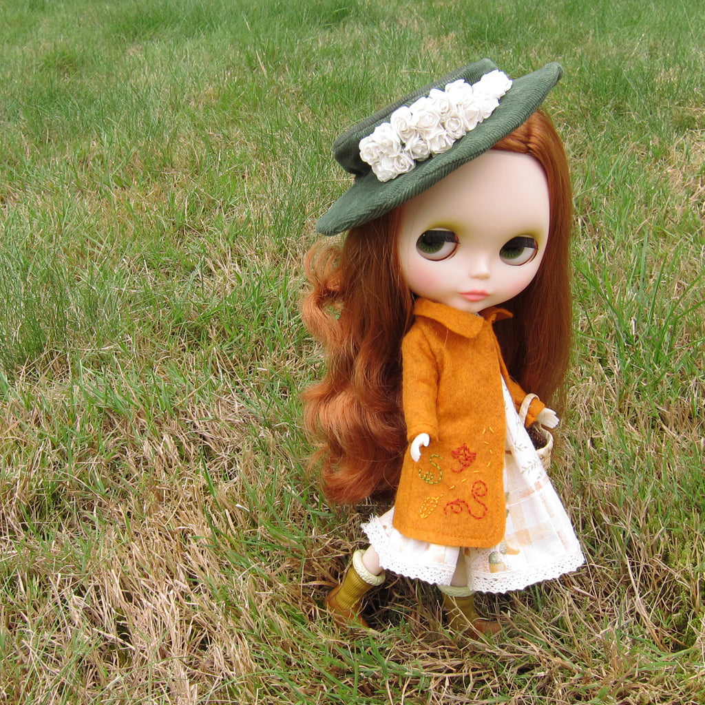 Autumn Pea Coat Wool Felt Jacket for Blythe & Playscale Dolls