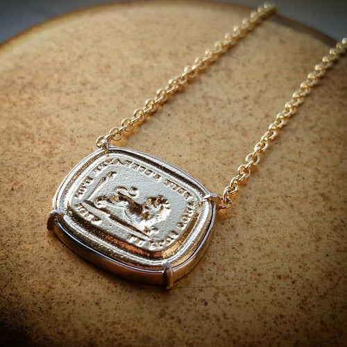 The Strongest Can Be Frightened of Nothing-Necklace-Seal & Scribe