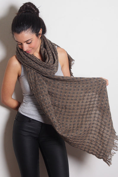 Spotted Knit Scarf in Brown