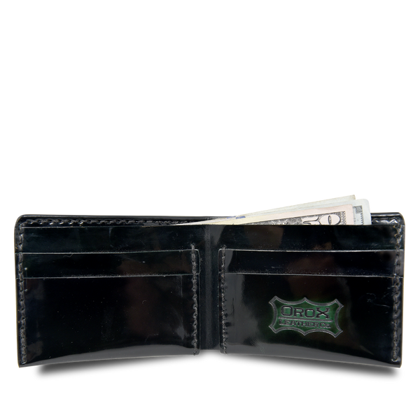Hand crafted leather wallet with high quality luxury craftsmanship made to last a lifetime, made for men to stay organized in fashion.