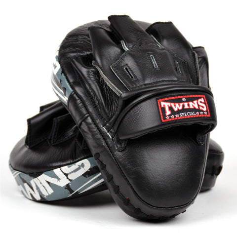 Twins Special Black Deluxe Curved Leather Focus Mitts PML10