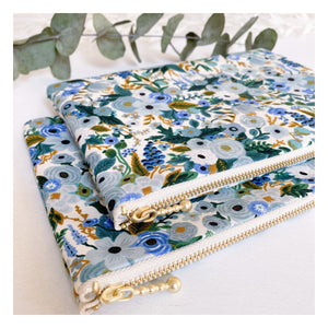 Pochette Rifle Paper & Co - Garden Party bleu