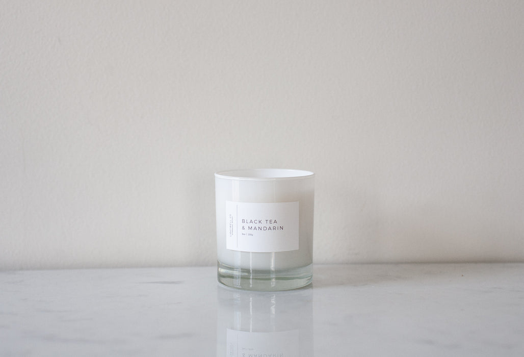 White Tumbler Candle - Black Tea & Mandarin