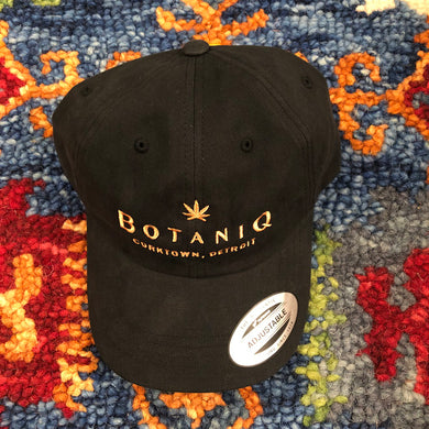 BotaniQ dad hat