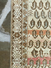 Load image into Gallery viewer, Beautiful Vintage Persian Rug Runner