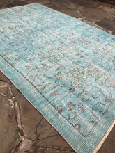 Load image into Gallery viewer, Blue Vintage Turkish area rug