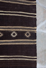 Load image into Gallery viewer, Vintage Turkish Kilim Rug