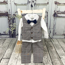 Load image into Gallery viewer, Toddler Boys stylish 4-piece outfit perfect for those special occasions, christenings, weddings and gatherings. Party outfit for boys that will sure wow the party guests. A stylish suit for little boys.
