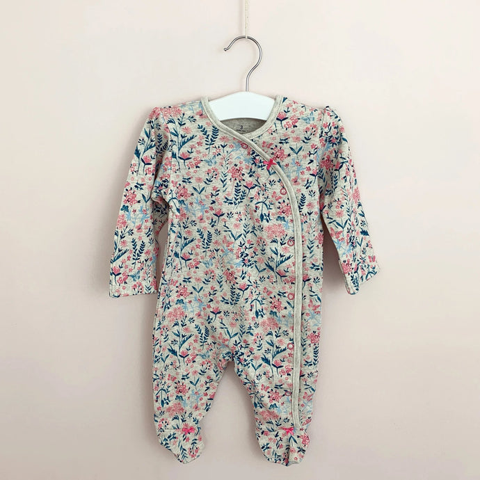 Baby girls vintage floral baby grow. This has such a pretty ditsy floral print in shades of pink, turquoise and blue.