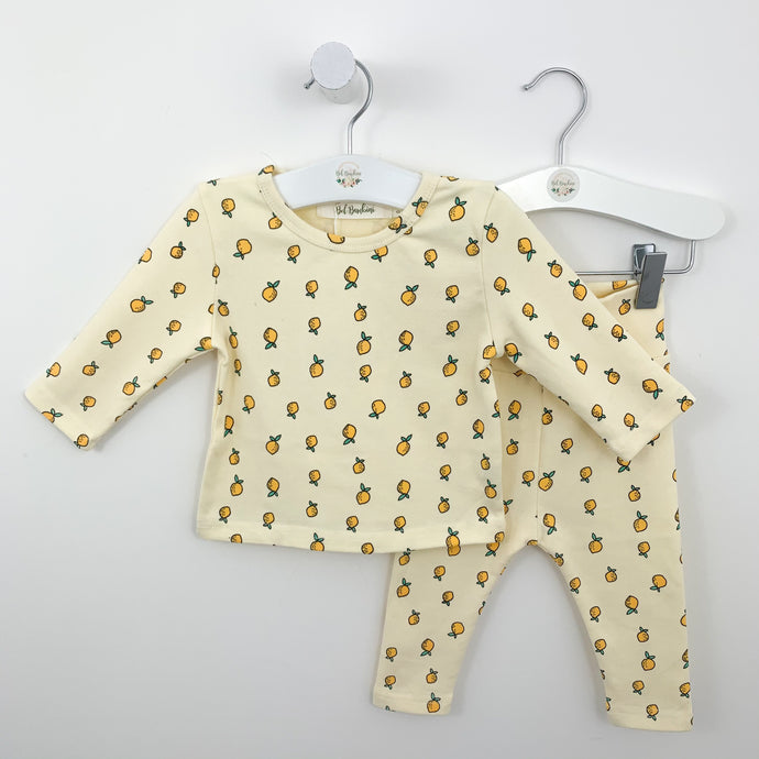 Baby boys loungewear set in cream. Cotton rich clothing for boys to lounge and play in. Complete with a long sleeved tee and leggings. Comfort and quality are key at Bel Bambini and we ensure we source the best products for your little ones. Sizes 0-24 months.