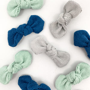 Bel Bambini baby boutique offers a range of baby and toddler clothing and accessories. Our trio of hair clips are gorgeous for little girls. Available in a variety of colours.