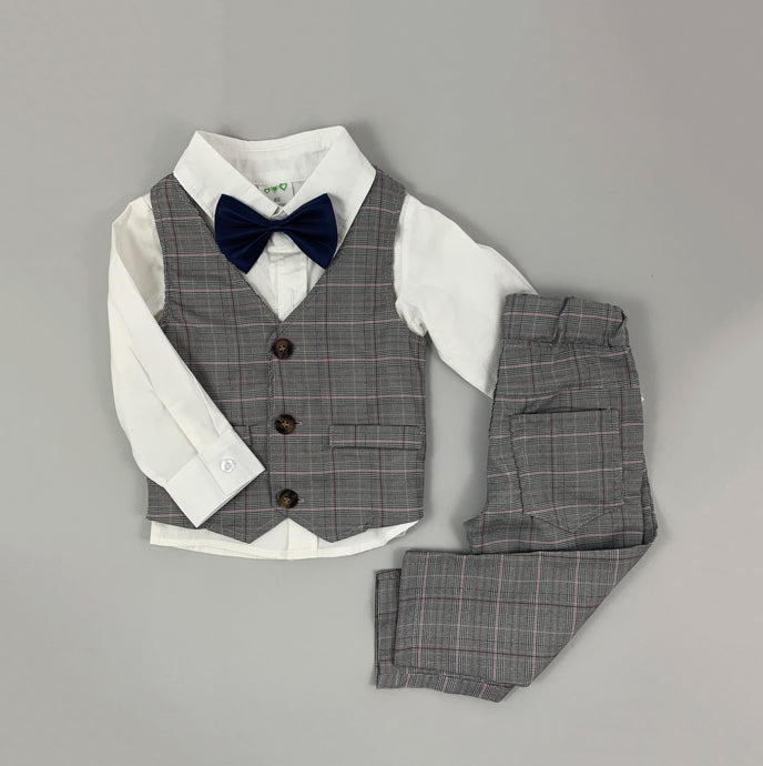 Toddler Boys stylish 4-piece outfit perfect for those special occasions, christenings, weddings and gatherings. Party outfit for boys that will sure wow the party guests. A stylish suit for little boys.
