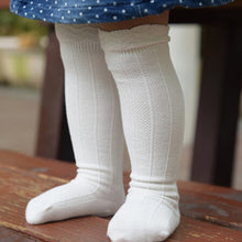 Load image into Gallery viewer, baby girl socks. toddler knee high socks available in a variety of colours. perfect socks for 0-2 year olds. bel bambini toddler and baby socks