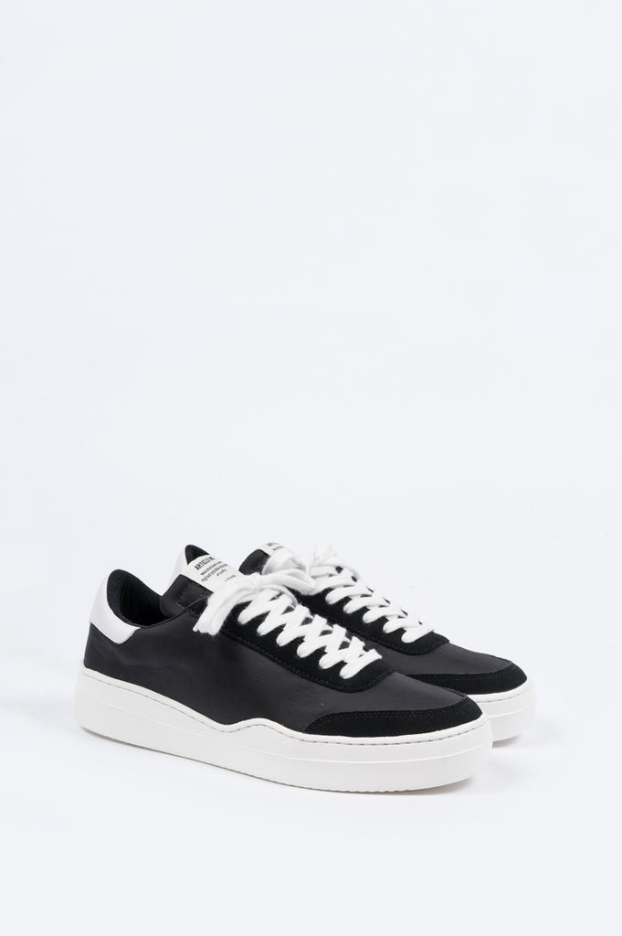 ARTICLE NUMBER 0517 CUPSOLE TRAINER BLACK WHITE - BLENDS