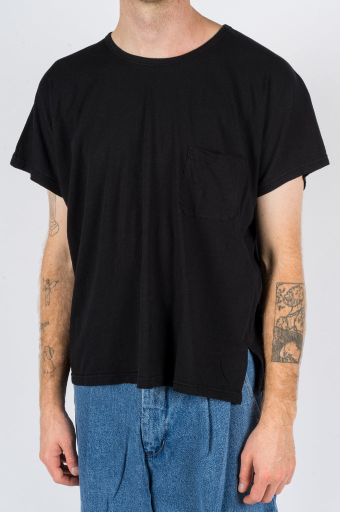 SECOND LAYER CAP SLEEVE TSHIRT BLACK
