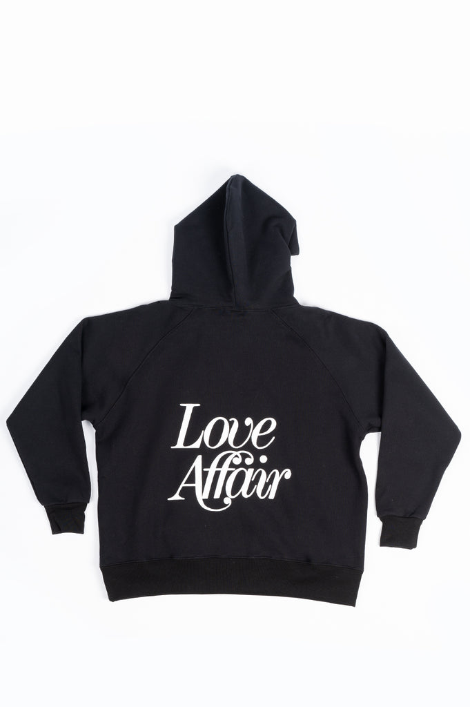 SECOND LAYER LOVE AFFAIR SERIF RAGLAN HOODIE BLACK