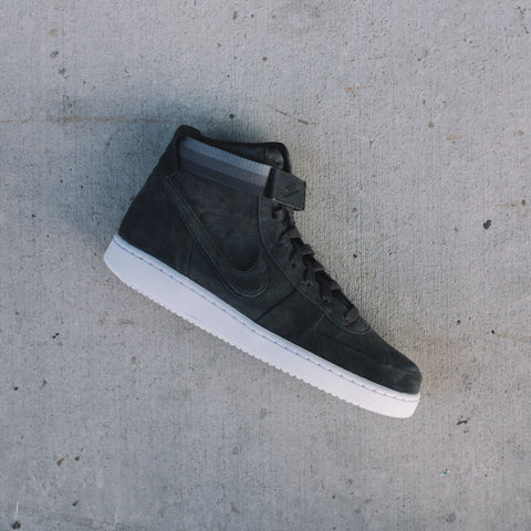 NIKE X JOHN ELLIOTT VANDAL HIGH PRM ANTHRACITE WHITE