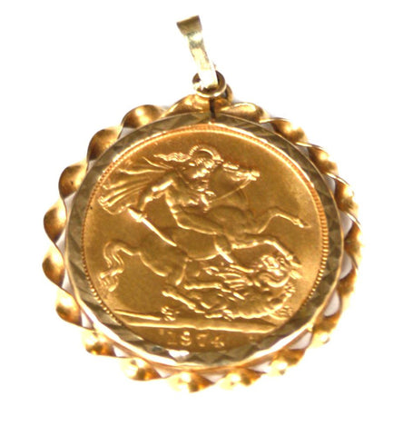 9ct Mount with 22ct Sovereign 1974
