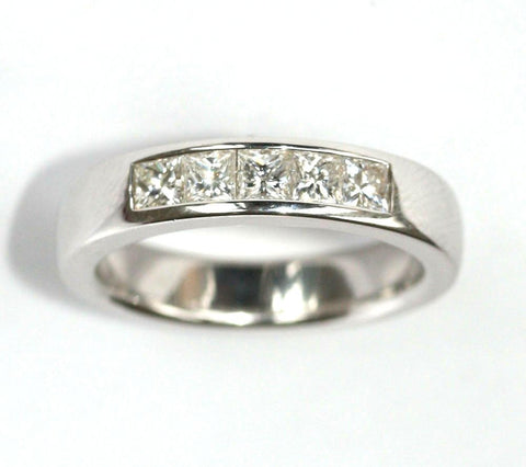 18ct white 5 stone 1ct band
