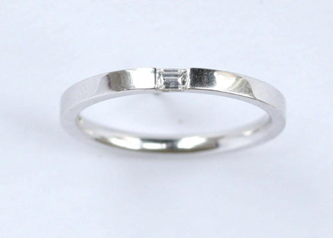 9ct white diamond solitaire band