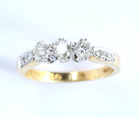 18ct yellow 3 stone & diamond shoulders