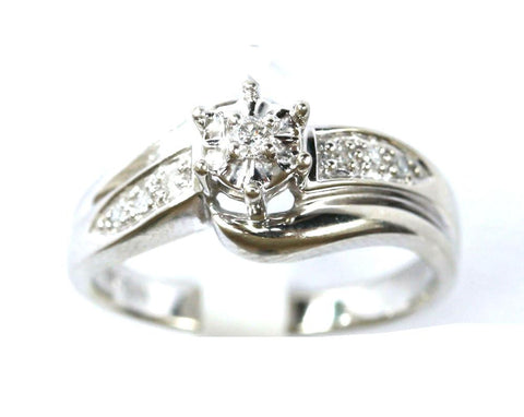 9ct white sol. With diamond shoulders
