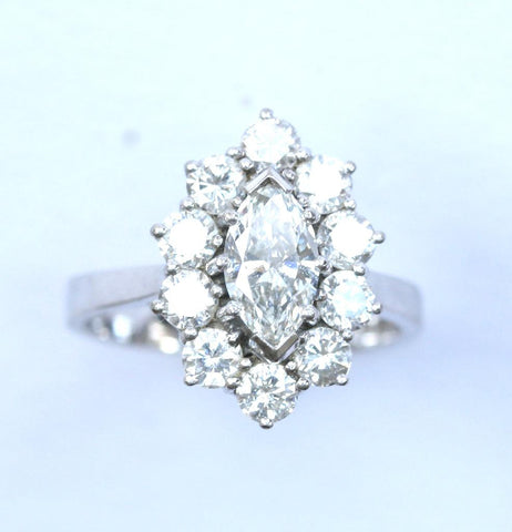 18ct white flower style(approx 2.00ct)