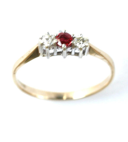9ct 3stone diamond & ruby