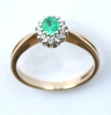 9ct diamond & emerald