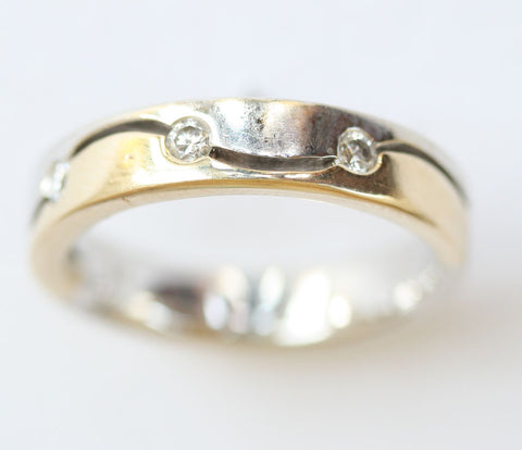 9ct white /yellow gold 3 stone band