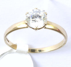 9ct Cubic Zirconia Solitaire & C.Z Shoulders