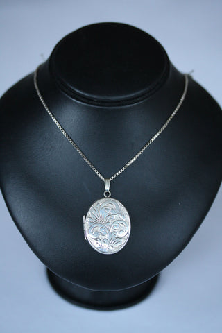 Silver Box Chain & Locket
