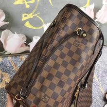 Load image into Gallery viewer, LOUIS VUITTON NEVERFULL GM - Hustla Boutique