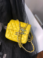 Load image into Gallery viewer, CHANEL MINI FLAP - Hustla Boutique