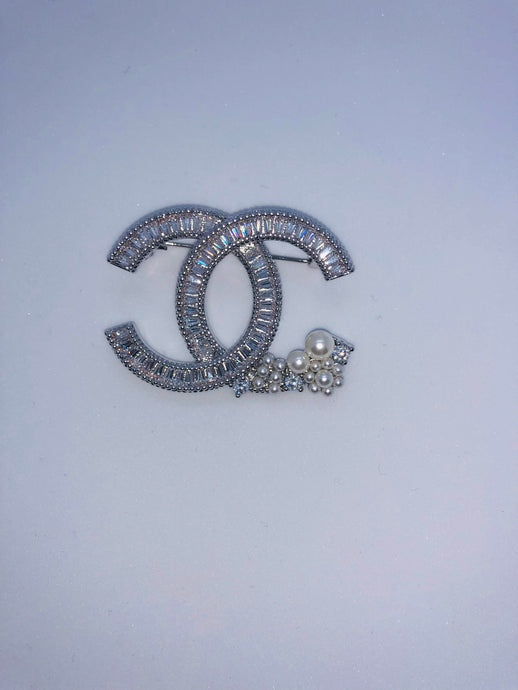 CHANEL BROOCH PIN - Hustla Boutique