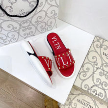 Load image into Gallery viewer, VALENTINO - Hustla Boutique