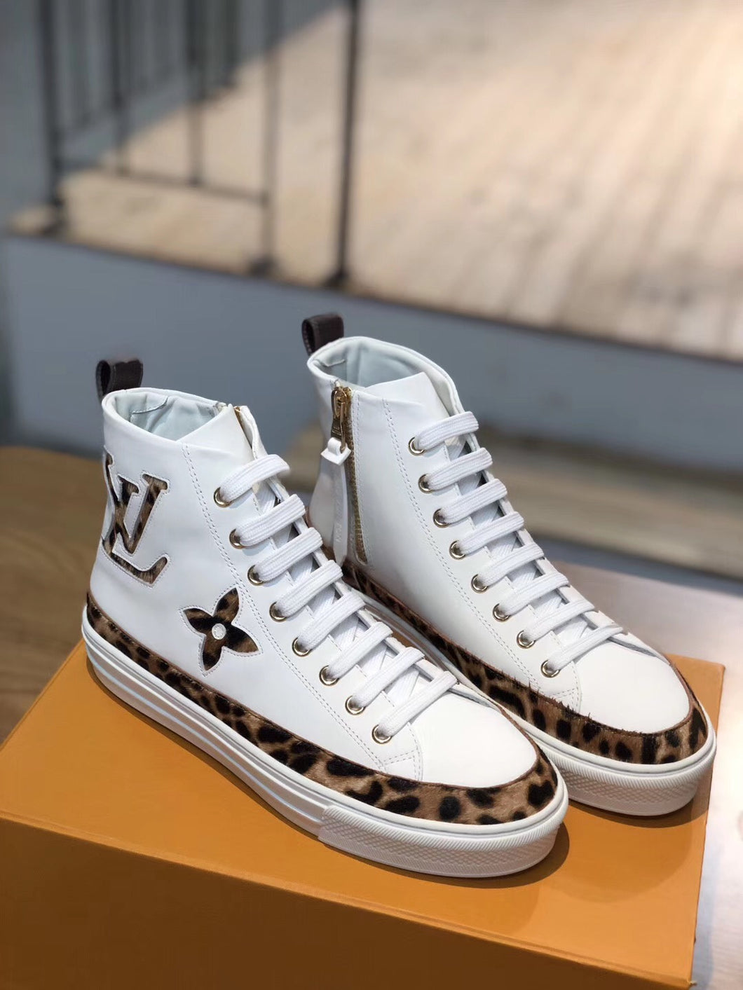 LOUIS VUITTON STELLAR - Hustla Boutique