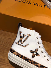 Load image into Gallery viewer, LOUIS VUITTON STELLAR - Hustla Boutique