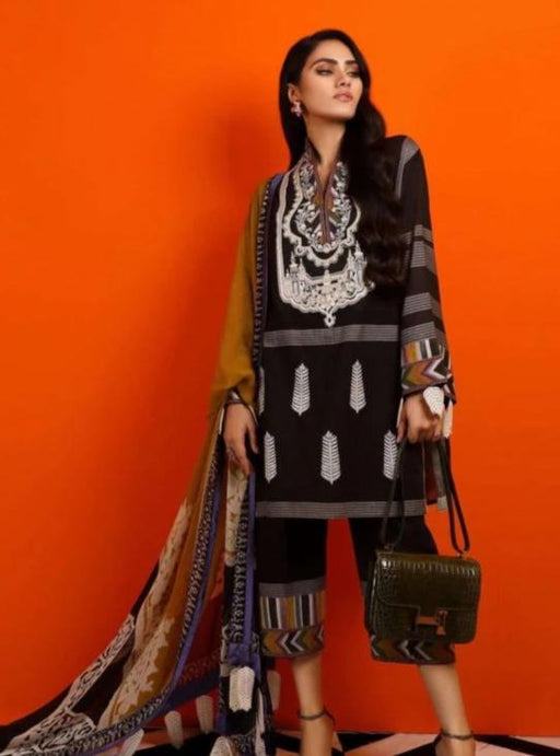 Wishcart-Pakistanisuits-Sana Safinaz Fall Embroidered Cambric 2019 02
